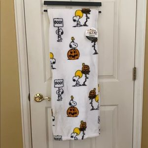 Peanuts Snoopy Halloween Throw Blanket